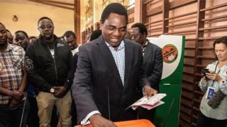 Hakainde Hichilema avait été arrêté en avril dernier, puis incarcéré, accuse d'avoir gêné le passage du convoi du président zambien Edgar Lungu et d'avoir ainsi mis sa vie en danger.