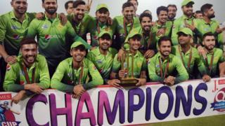 یہ پہلا موقعہ ہے کہ پاکستان ٹی ٹوئنٹی کی عالمی درجہ بندی میں پہلے نمبر پر آیا ہے۔