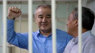 Өмүрбек Текебаев бүгүн кайрадан №47 абакка кайтарылды