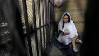 Aya Hijazi sudah ditahan di penjara Kairo sejak 2014.