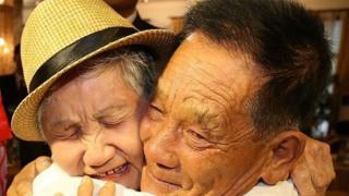 லீ கியும் சியோம் தனது 71 வயது மகன் லீ சுங்-சுல்லை வடகொரியாவில் சந்தித்தார்