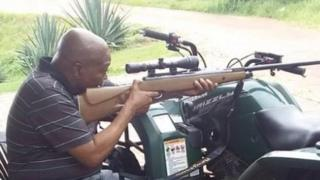 Jacob Zuma with rifle