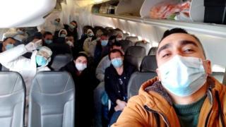 Журналіст Олександр Махов разом з евакуйованими з Китаю перебуває на двотижневому карантині