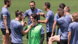 Bale na Isco batera urwenya mu myitozo