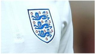 England badge on shirt