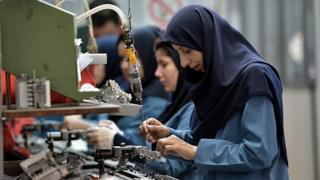 بحران صندوقهای بازنشتگی در ایران؛ سرنوشت مبهم میلیونها حقوقبگیر