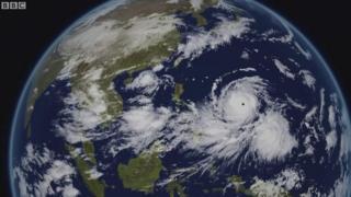 Siêu bão cấp 17 chuẩn bị tiến vào biển Đông