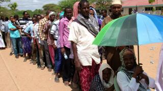 L'opposition conteste la victoire de Raila Odinga
