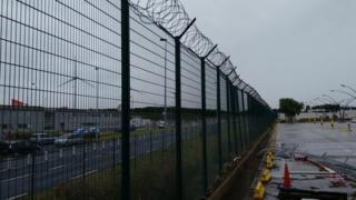 Calais fencing