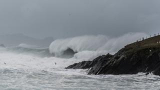 Шторм у берегов Ирландии