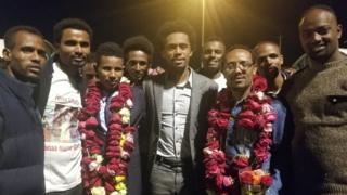Atileetonni Oromoo paaraalimpikii Riyoo irratti hirmaachuun biyya Biraazilitti hafan waggaa sadii booda biyyatti deebi'an