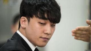 કોરિયન પોપ સ્ટારની તસવીર