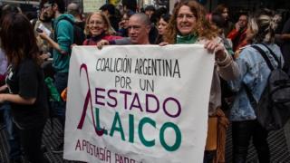 Mulheres em protesto pelo Estado Laico
