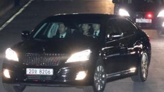رئيسة كوريا الجنوبية بارك غوين-هاي تغادر القصر الرئاسي بعد عزلها