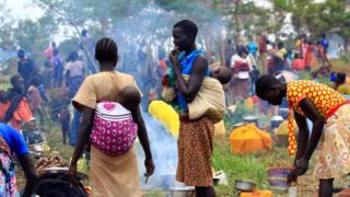 Dubban mutane sun tsere daga garin na Pajok zuwa kasar Uganda