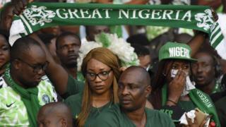 Di fans of Nigeria team dey hail di kontri for di international friendly against Congo