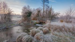 A frosty river in Hungerford