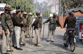 Indian policemen in Ghaziabad