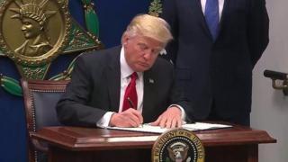 Prezida Donald Trump wa Amerika yashinze amategeko mashasha
