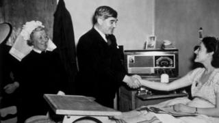 Aneurin Bevan meeting a patient at Papworth Village Hospital in 1948