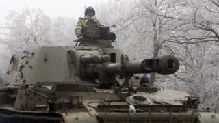 سربازی روی تانک