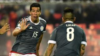 Víctor Cáceres celebra su gol
