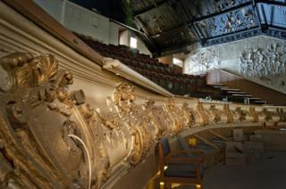 Electric Palace Theatre seating and ornate decoration