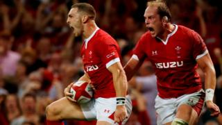 George North scores a try for Wales
