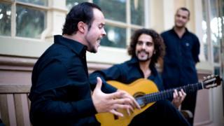 Grupo de canto flamenco Somorrostro