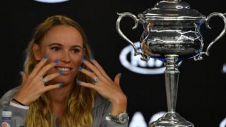 La Danoise Caroline Wozniacki, remporte pour la première fois le Grand Chelem à l'Open d'Australie.