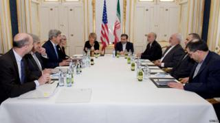 US and Iranian delegations hold bilateral talks in Vienna on 30 June 2015
