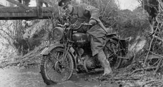 1940 Norton 16H in the military