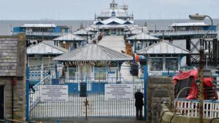 Llandudno pier closed