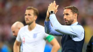 Gareth Southgate and Harry Kane thanks England fans after the England v Croatia match