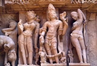 Detalhe de um templo erótico em Khajuraho, na Índia central.