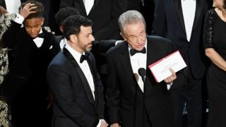 Warren Beaty na entrega do Oscar de 'Melhor Filme'