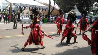 Tarian Kabasaran, tari perang khas Minahasa
