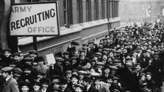 Recruitment queue in World War One