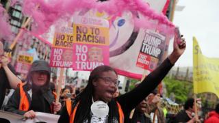 Londra'daki protestolardan bir kare