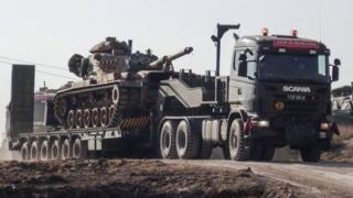 Түркиянын танкалары чек арада топтолууда