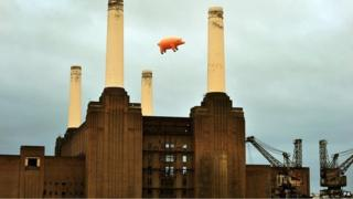 The pig over Battersea Power Station