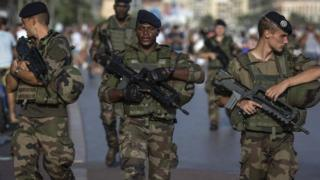 French soldiers patrol the Promenade des Anglais in Nice, France (4 August 2016)