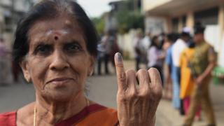 இலங்கை உள்ளூராட்சி தேர்தலில் போட்டியிடும் பெண் வேட்பாளர்களிடம் சில்மிஷம்