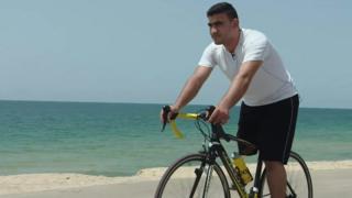 Tek bacaklı bisikletçi
