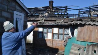 В Марьинке разрушениям подверглись частные дома по улицам Прокофьева, Шевченко и Орджоникидзе
