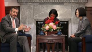 """前美国共和党总统参选人,现参议员克鲁兹访台,会见台湾总统蔡英文,双方互称""""真诚的朋友""""。"""