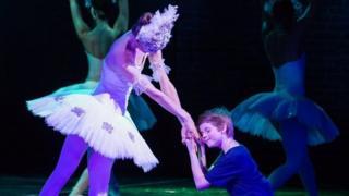 """""""Билли Эллиот"""" на сцене будапештской оперы"""