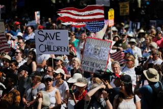 مظاهرات ضد سياسة الرئيس الأمريكي دونالد ترامب في نيويورك اليوم
