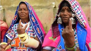 హైదరాబాద్ శివారులో డిసెంబర్ ఏడున ఓటేసిన మహిళలు