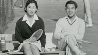 Crown Prince Akihito and Michiko Shoda enjoy tennis at Tokyo Lawn Tennis Club on 6 December 1958 in Tokyo, Japan